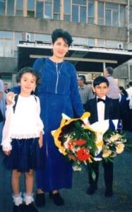 Susanna_with her children